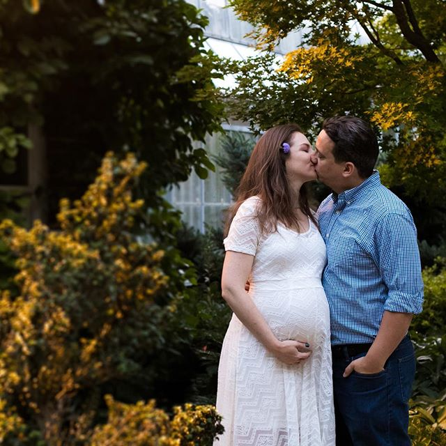 So honored to photograph this maternity session with Kat and Lenny. We had perfect light and cool air on this August sunset session. Check out that evening yellow glow! . . . #thebmorecreatives #ohwowyes #lovenature #portraitsession #portraitphotography #maternityshoot #maternityphotography #momtobe #justgoshoot #50mm #sunsetshots #goldenhour #flowerinherhair #soontobemom #familyphotography #familyportrait #ig_photooftheday