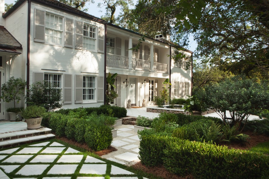 Midtown Classical Revival Addition / Restoration Driveway