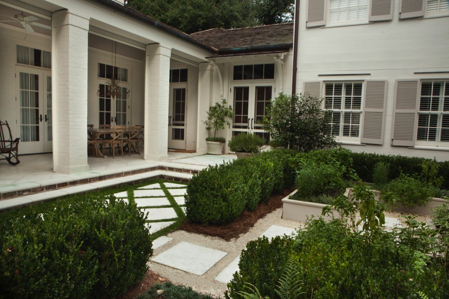 Midtown Classical Revival Addition / Restoration Courtyard