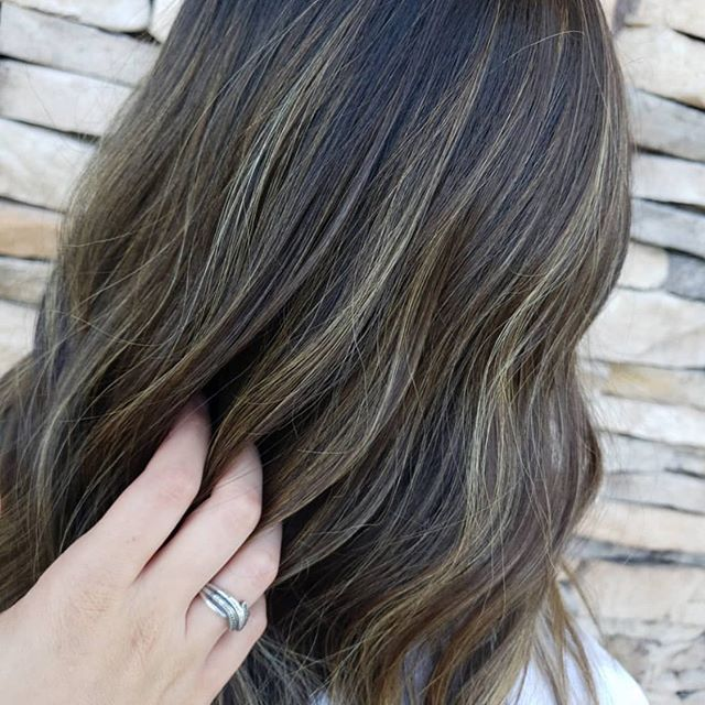 Subtle highlights for this deep brunette. 🍫 @hairbyabigailtayte 💛 #hairstyle #aristagirl #kchairstylist #leawood #kchairsalon