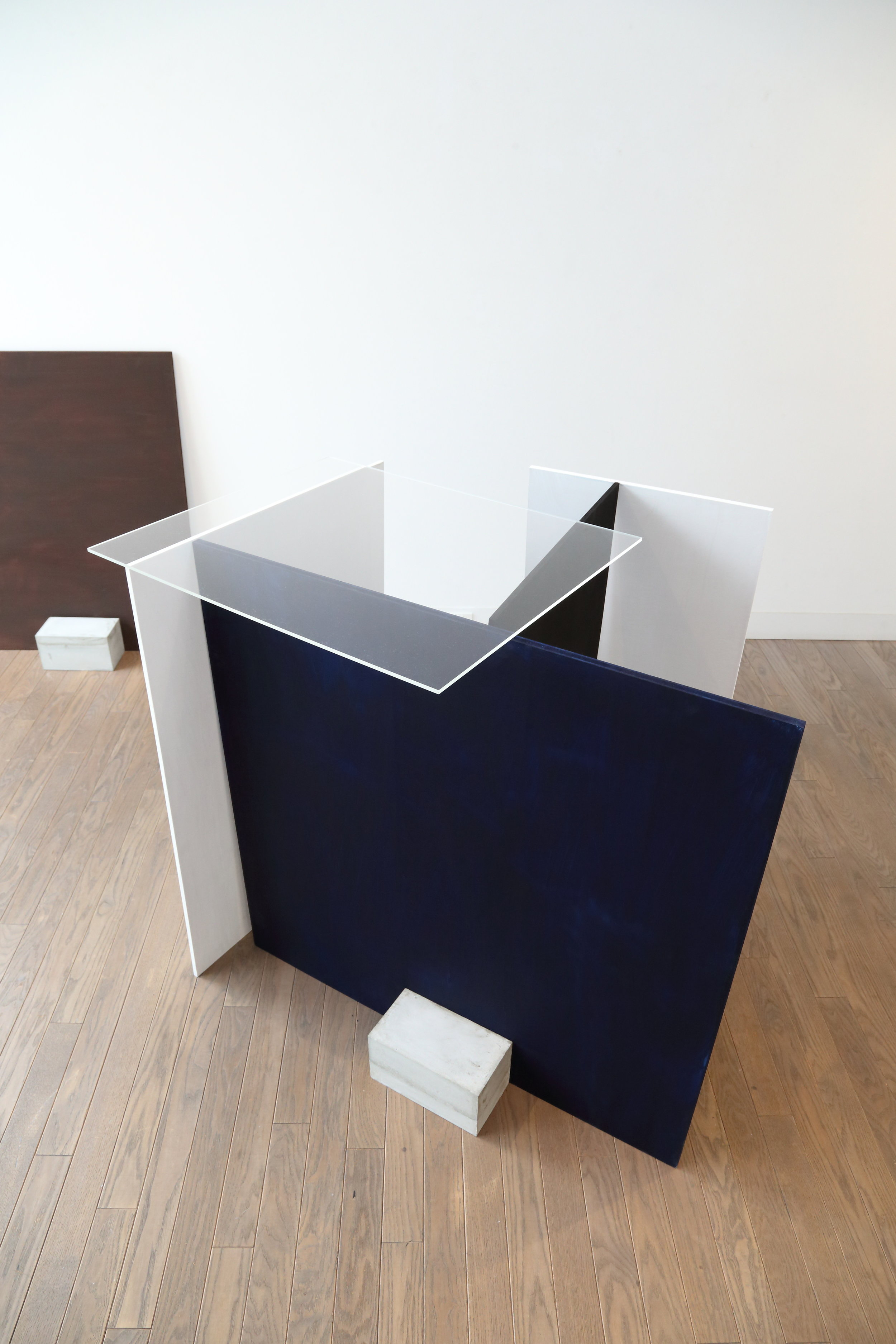 I use black and white. And I add blue and brown. Wood, tempera, acrylic glass, concrete. Installation, Gallery Retara, Sapporo, 2014, group exhibition.