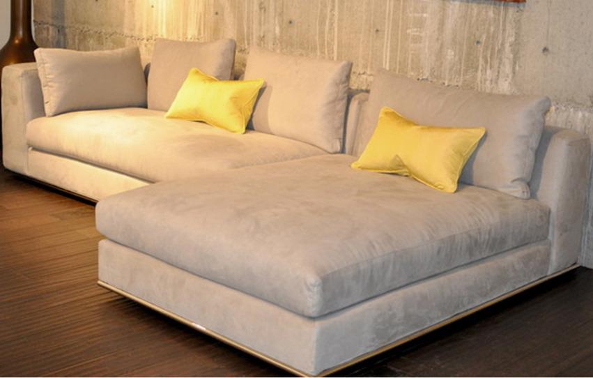 The Hamilton Sofa-chaise