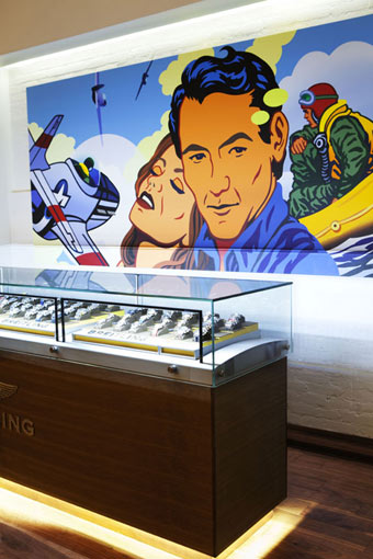 POP ART ON THE BREITLING BOUTIQUE WALLS IN NEW YORK CITY BY KEVIN T. KELLY ©BREITLING