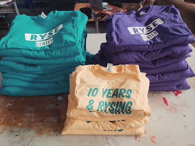 Close to 500 shirts for @ryseyouthcenter #screenprinting #westoakland #oakland #local #revoltsilkscreen #supportlocal #silkscreen #plastisol #localeconomy