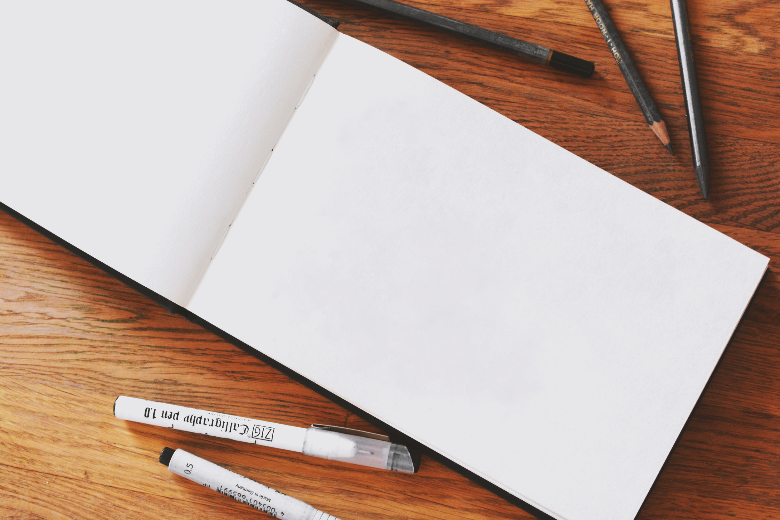 the best art supplies for beginners - journal and sketchbooks