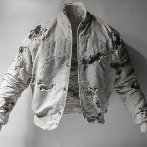 We fucks w Daniel Arsham. #bulls #chicago #chicagobulls #starterjacket #arsham #danielarsham #artifact #art #contemporaryart #nyc #style #corsa #clothing