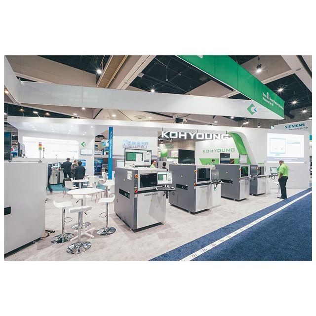 Another exhibition booth photography. Last week in San Diego. Some sort of technology expo im not too familiar with. #apexexpo2019 #exhibitionbooth @beaver.exhibit