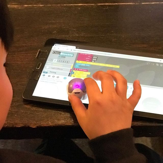 We are having a dance party with #ozobots today..these guys got moves ! . . . . . #funfriday #stem #stemgirls #stemeducation #toronto #torontokids #kids #technology #technology #coding