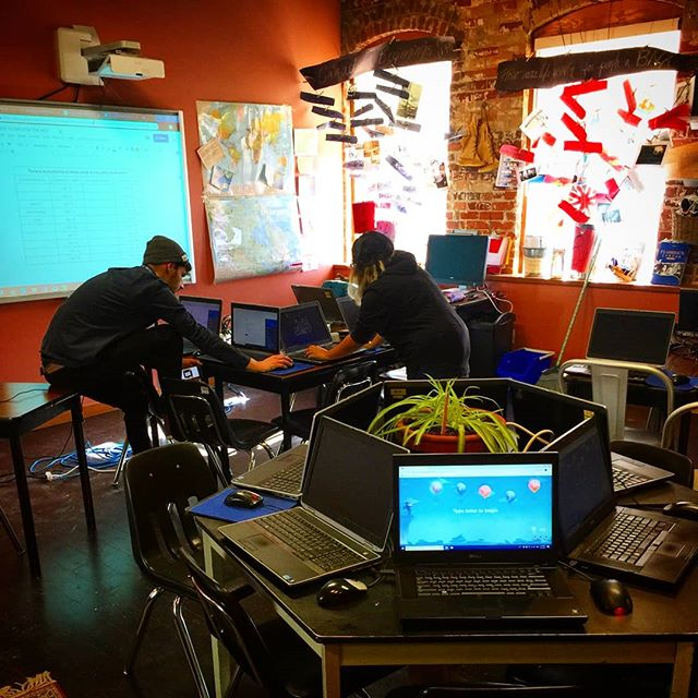 #oldiebutgoldie snap of our #techteacher 's Amina & Michael setting up a classroom at @voiceintegrativeschool for our #html and #css course offering 🤘😁🤘 . . 🔥#technology is for everyone!🔥 . . Are you interested in bringing technology classes to your school? Hop into our bio and get in touch 👩‍💻👨‍💻👍
