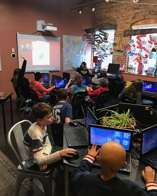It was a lot of fun being at Voice Integrative School this year and having our coding class with our incredible students. All getting ready to close their school year in a couple of weeks! 🎓 . . . . #stem #toronto #stemcamps #coding #learntocode