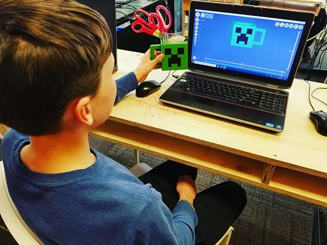 Ooooh superb #creeper mug in #3d slash in our teens #digitalarts class ❤️ . . More 3D creations coming soon! 👍 . . #stemschool #stemeducator #steam #camps #kids #teens #technologyschool #tech #techteacher #technology #teaching #minecraft #photoshop #cool #3d #3dmodel ✌️😆