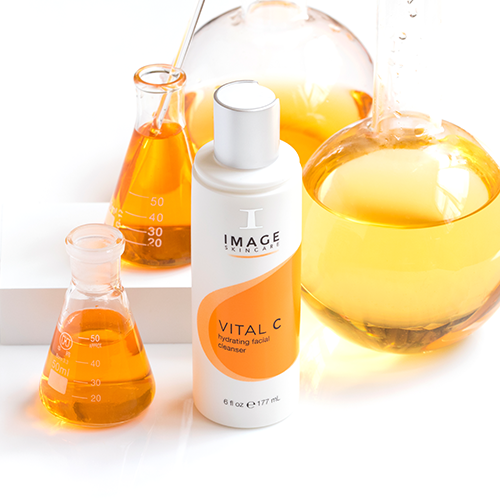 Lifestyle-Shots-2Vital-C-hydrating-facial-cleanser-02.png