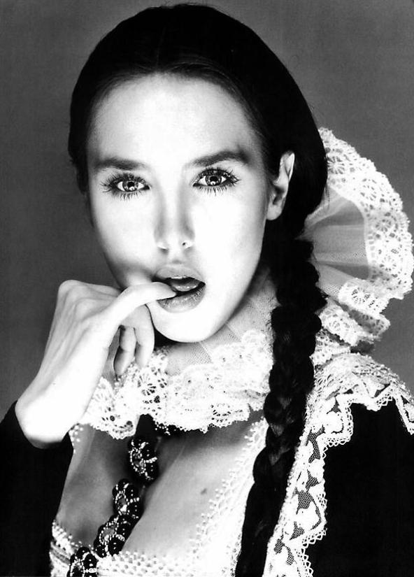 Richard Avedon, Isabelle Adjani, 1994.png