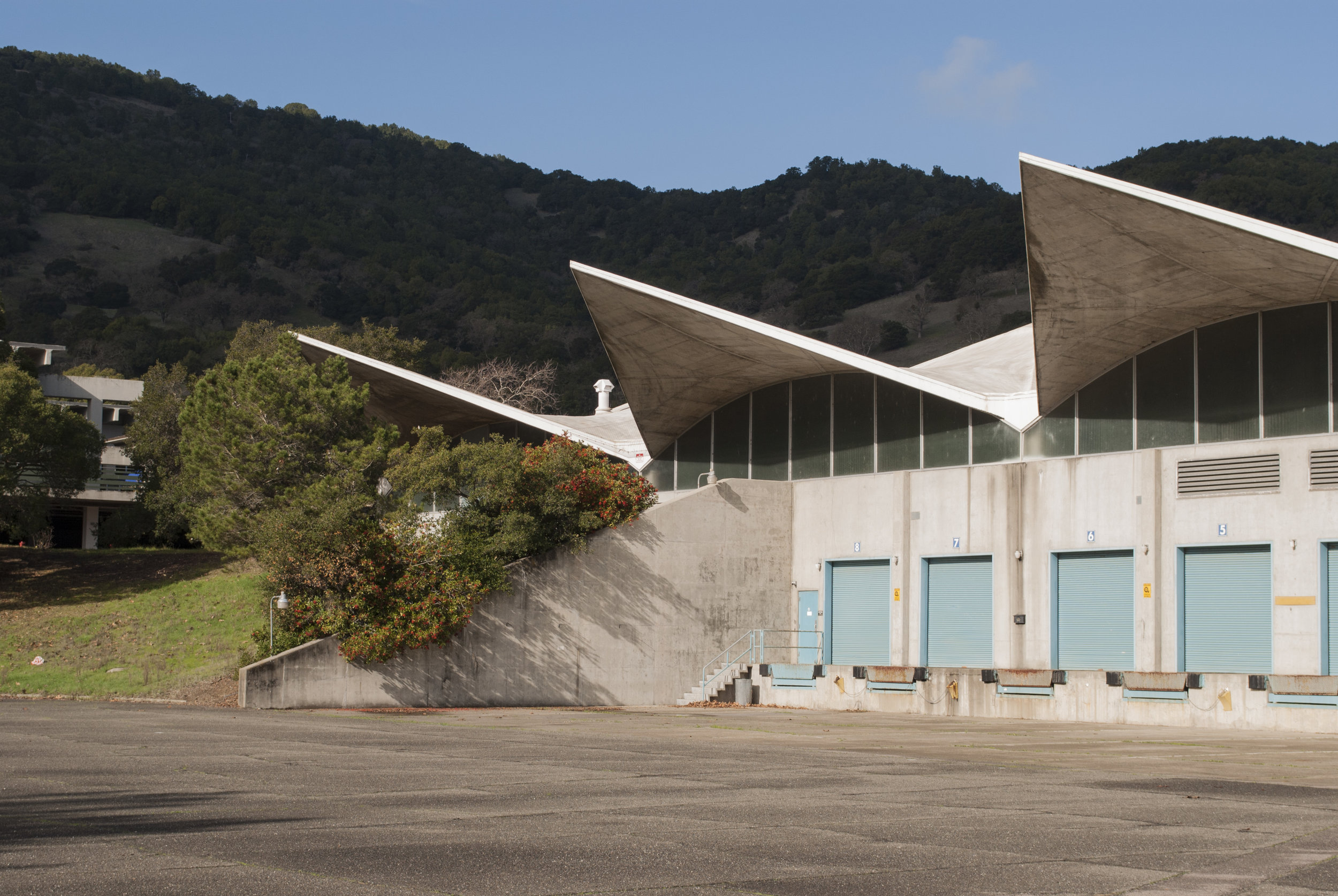 McGraw-Hill Distribution Center, Novato, CA