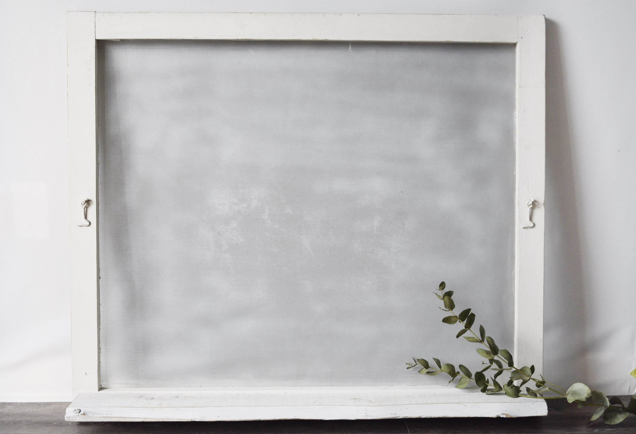 White Distressed Screen