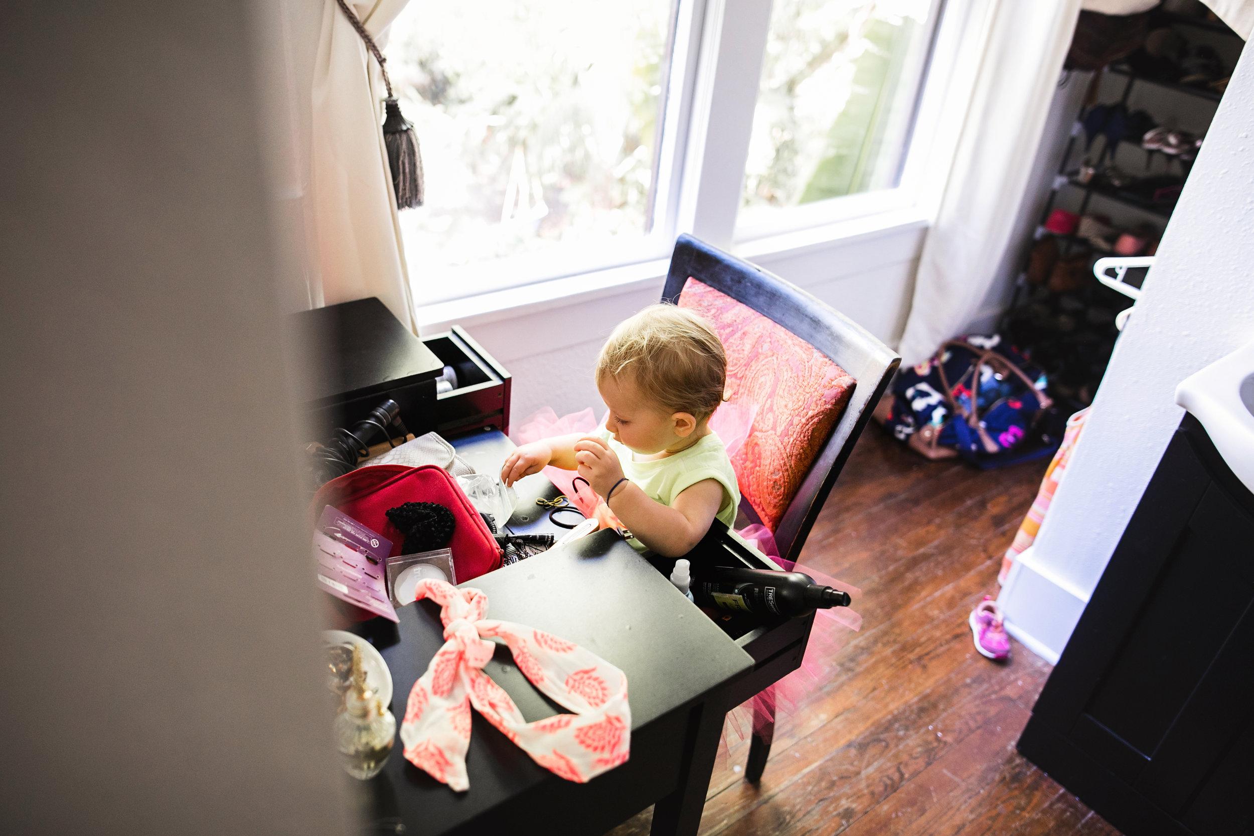 baby plays with hair ties at moms vanity 2-(ZF-0126-04493-1-049).jpg