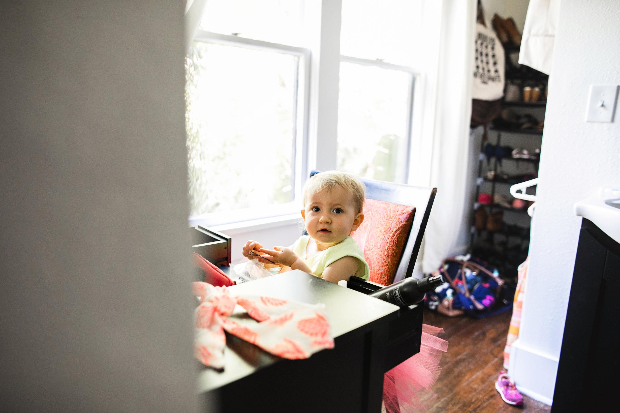 baby plays at moms vanity 2-(ZF-0126-04493-1-052).jpg