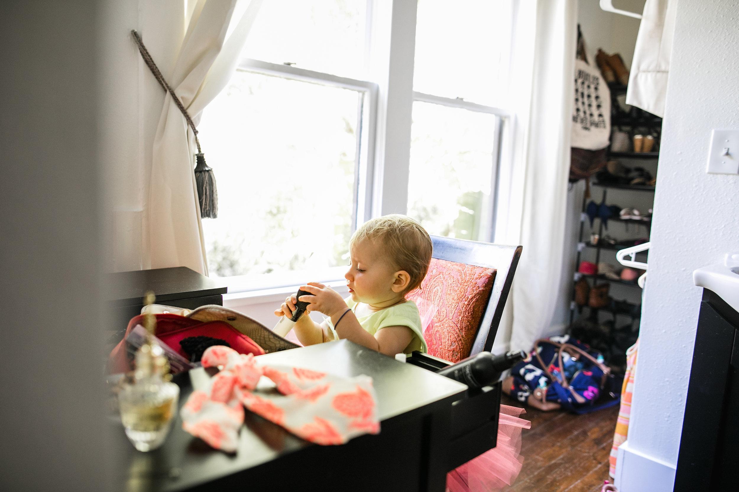 baby plays at moms vanity 3-(ZF-0126-04493-1-051).jpg