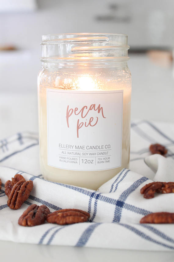 Ellery Mae CandlesShe has so many yummy flavors on her etsy shop like pecan pie, frosted gingerbread, and cinnamon bun. -