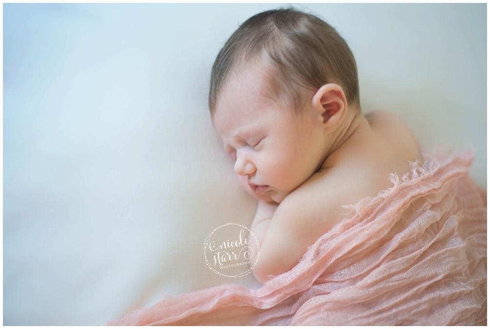 WM minimalistic newborn photography 1