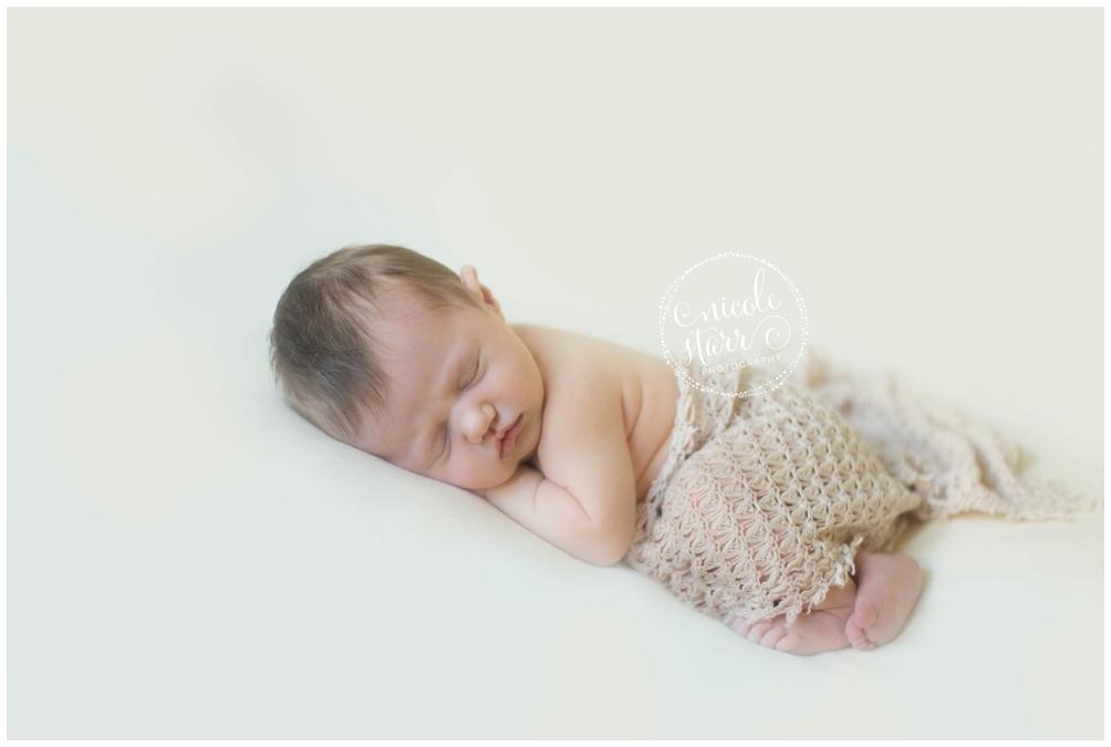 WM minimalistic newborn photography 3