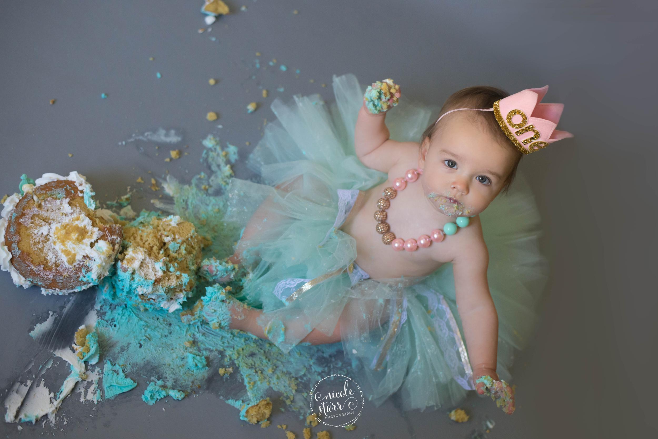 baby cake smash birthday photo session