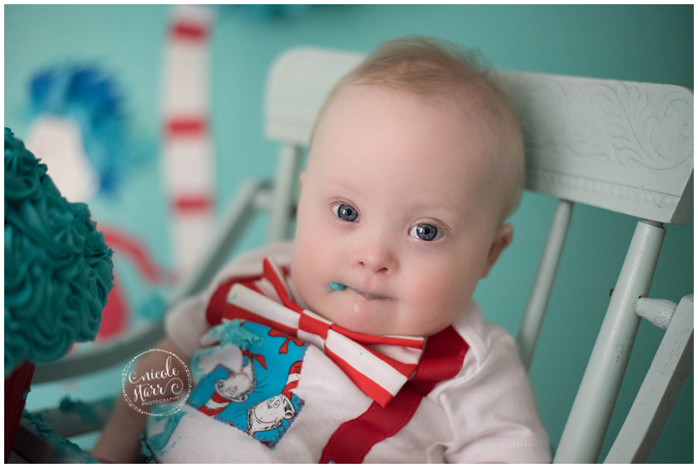 boston baby photographer dr seuss cake smash_0009