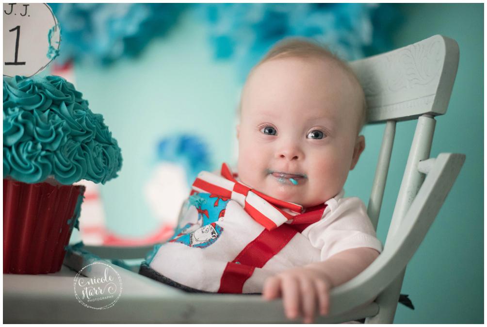 boston baby photographer dr seuss cake smash_0012