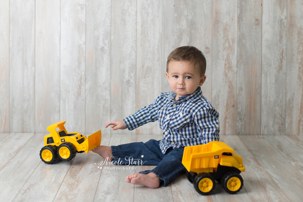 Construction truck first birthday cake smash session