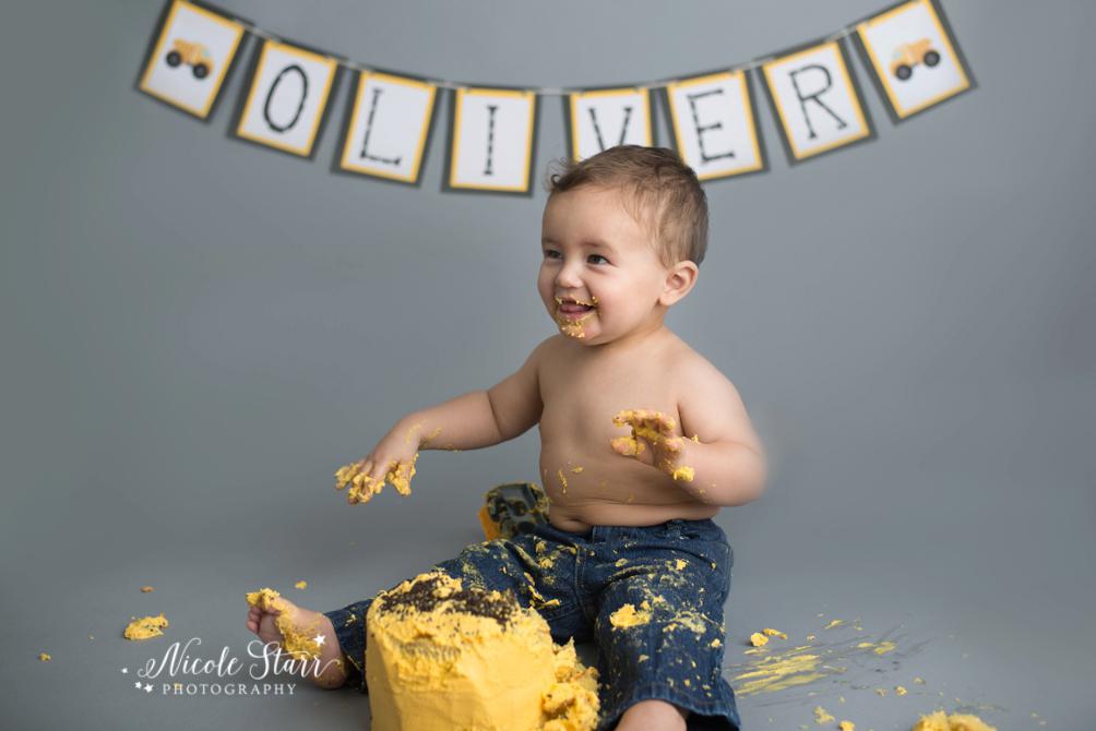 upstate new york saratoga albany cake smash first birthday baby photographer_0016.jpg