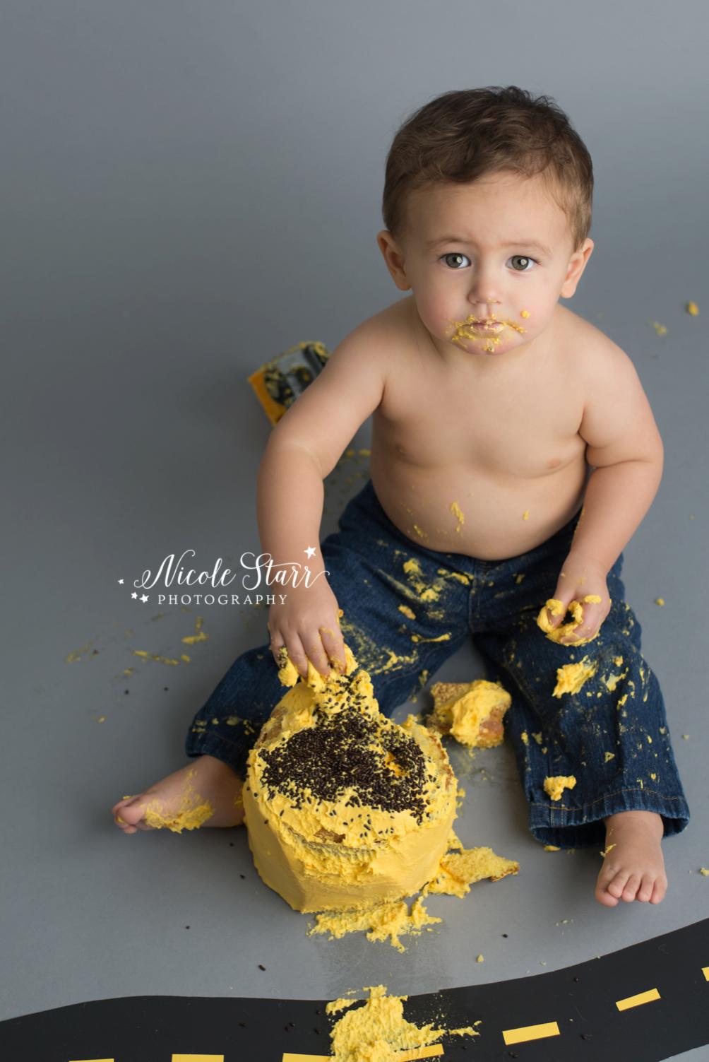 upstate new york saratoga albany cake smash first birthday baby photographer_0015.jpg
