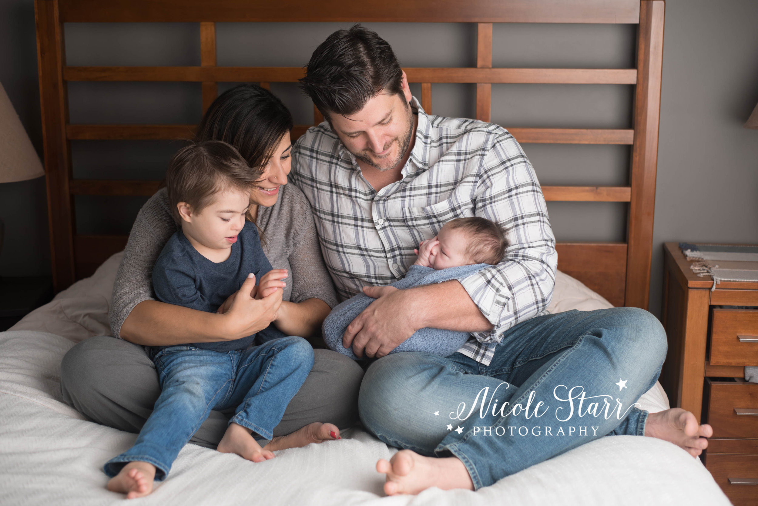 Saratoga Springs NY lifestyle newborn photo session at home