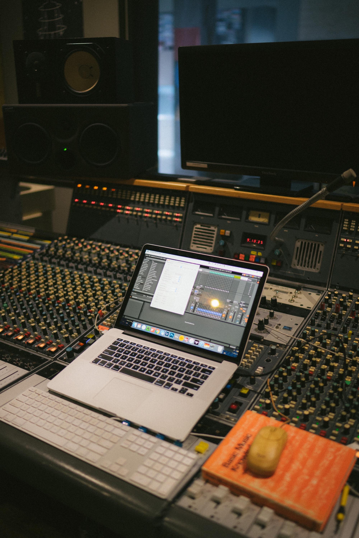 studio.jpg.jpeg
