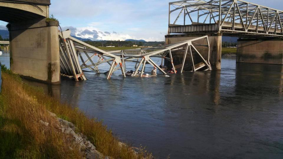 The Skagit River Bridge collapsed in 2013 after hit by a megaload truck. (Credit: Dusty Starling)