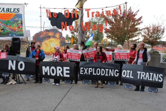 Lynnwood, Washington rally against Shell expansion proposal (Credit: Seattle Weekly)
