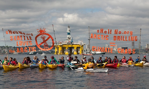 Protesters demonstrate in Puget Sound, Seattle against Shell's drilling rigs. (Credit: Matt Mills Mcknight/Reuters)