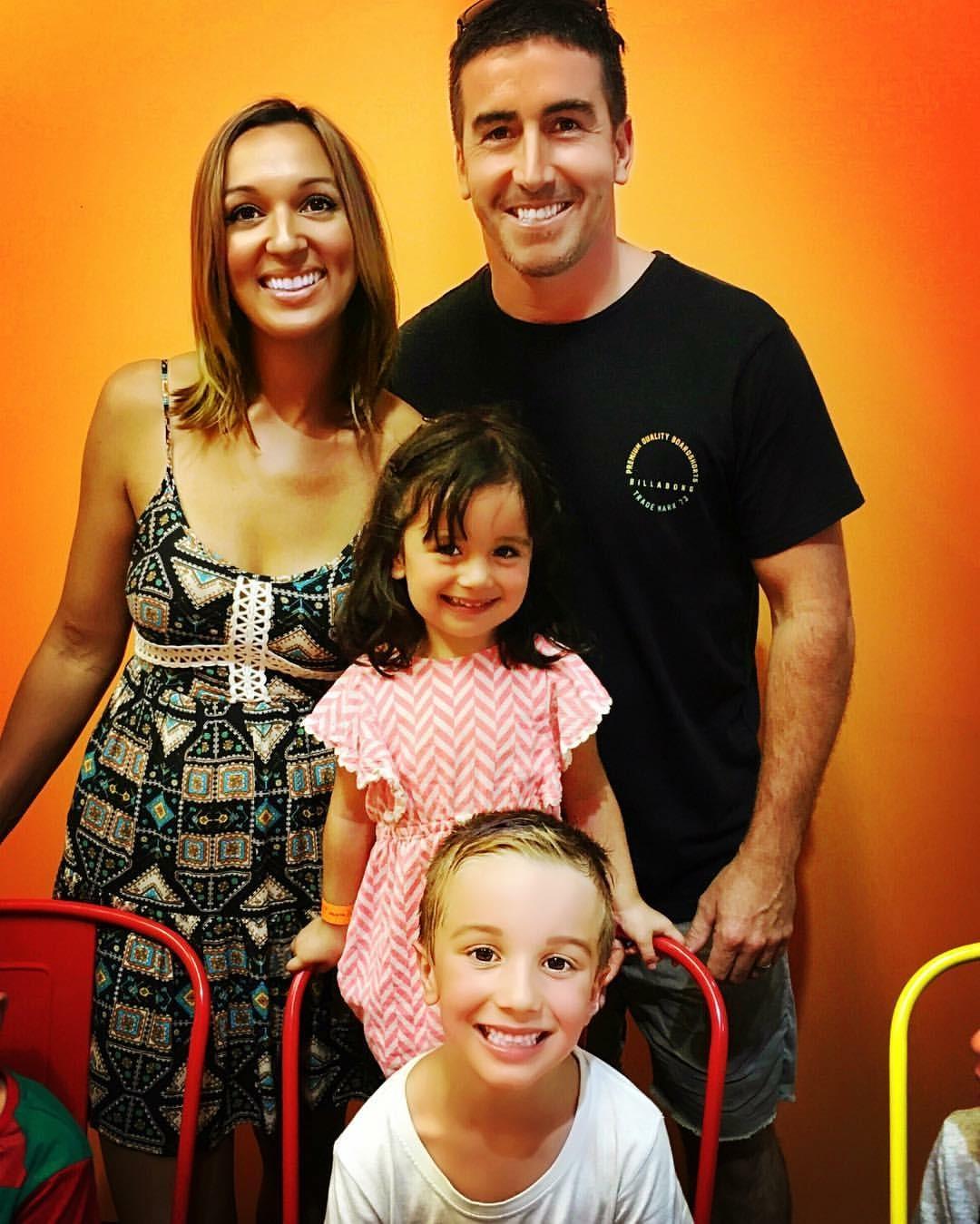 Brendo and His beautiful family. MERRY XMAS CREW