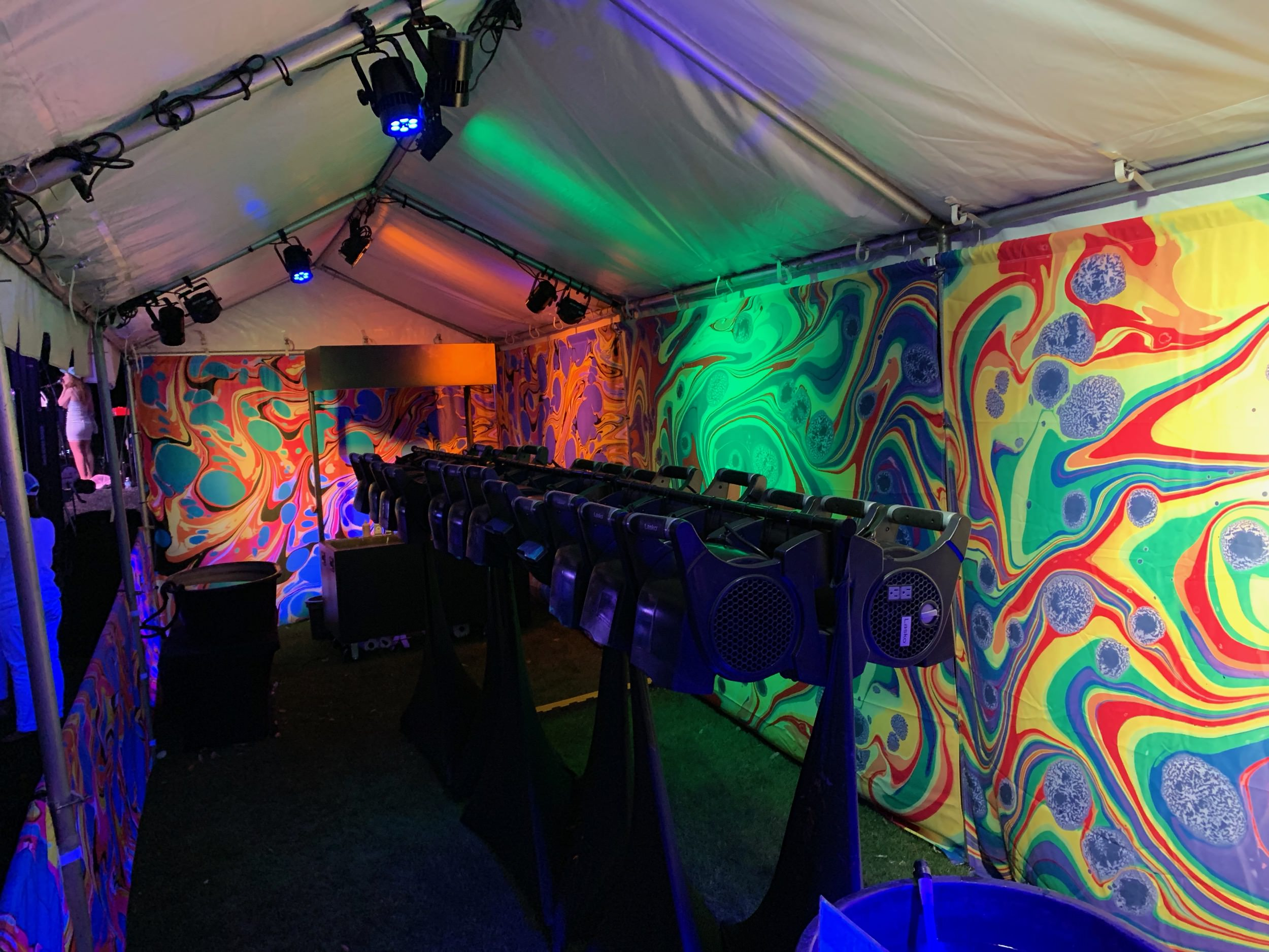 BLVisuals Body Marbling Booth White Tent 2.jpg