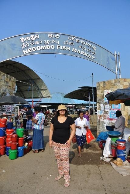 Negombo Fish Market (1) (685x1024) (428x640).jpg