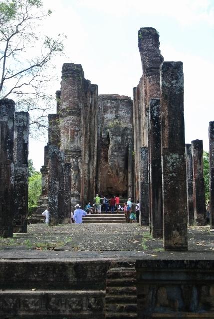 Polonnaruwa - Lankatilaka (1) (687x1024) (429x640).jpg