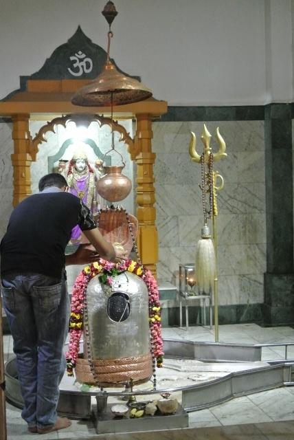 Oldest Hindu Temple (7) (428x640).jpg