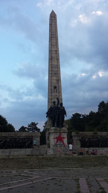 communist statue (4) (360x640).jpg