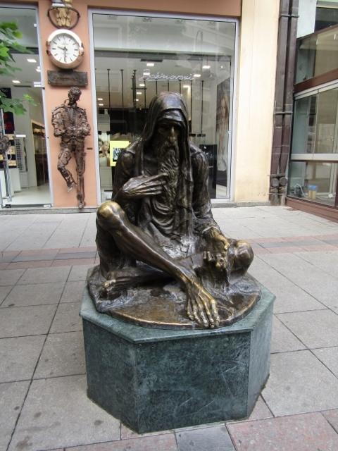 Statues (5) (480x640).jpg