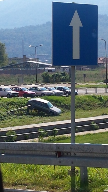 car overboard at the border (360x640).jpg