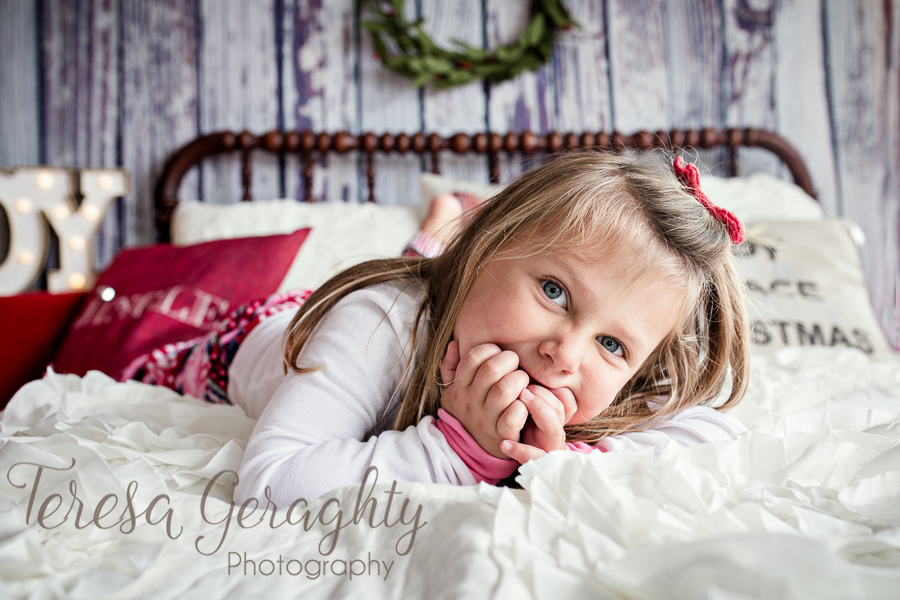 Vintage Bed Holiday Mini Session