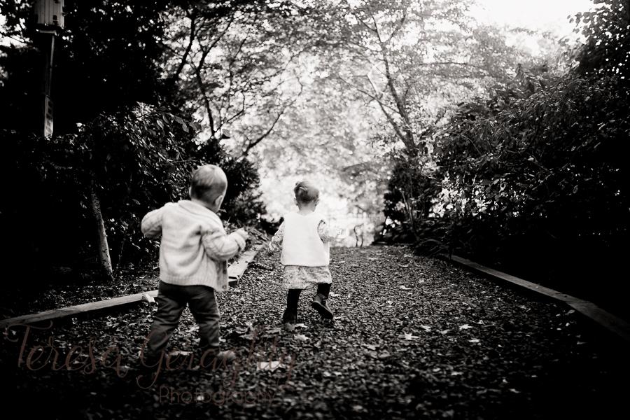 Long Island Rustic Twins photo session