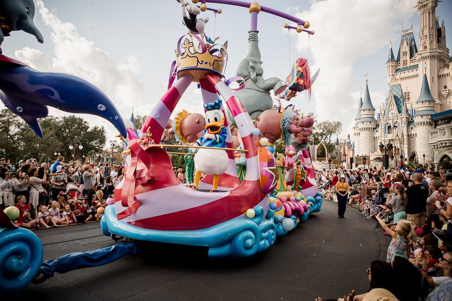 disney parade donald