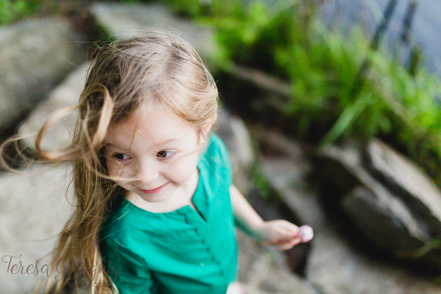 Long Island children's natural and candid photographer