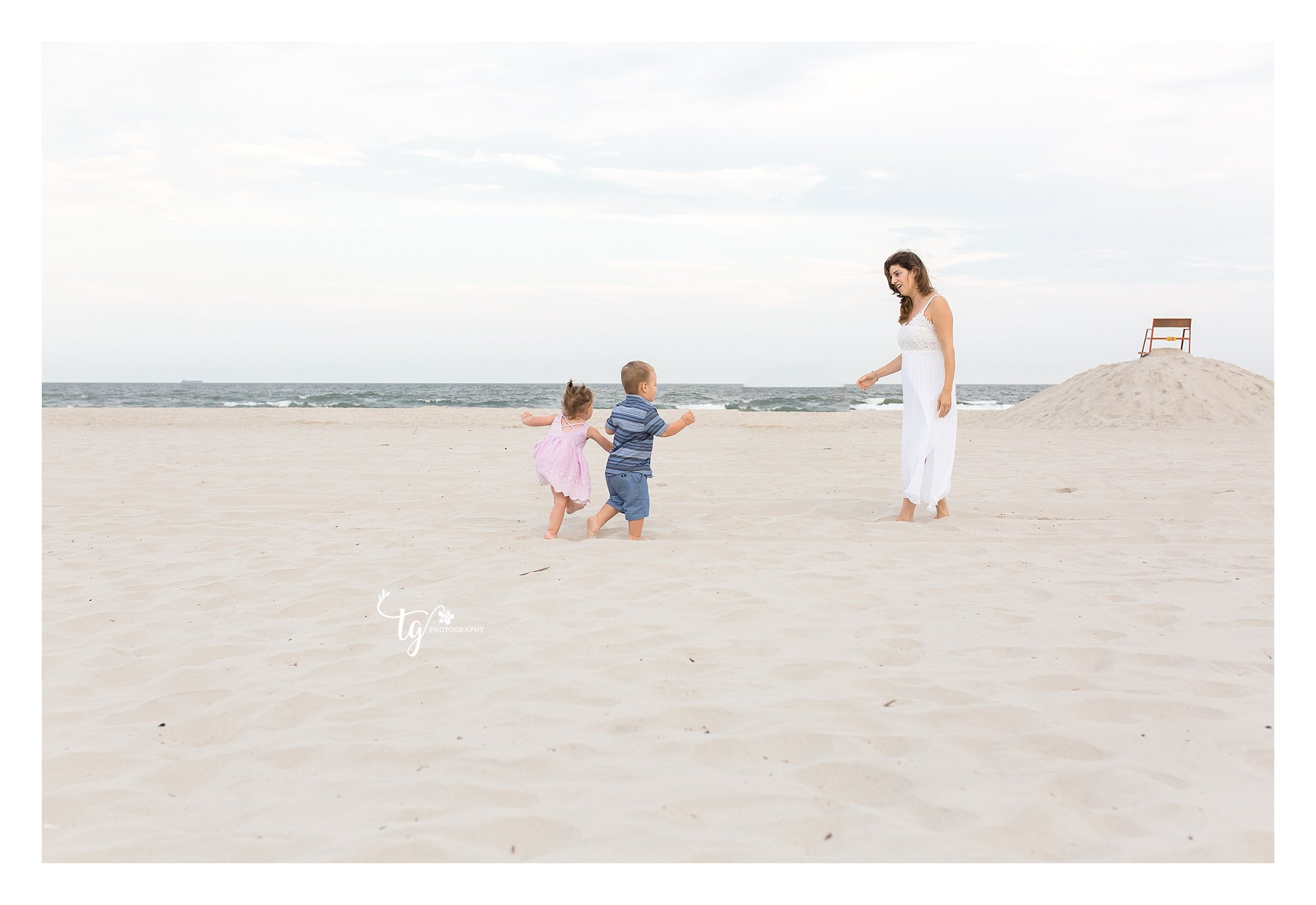 Natural and candid long island family photographer