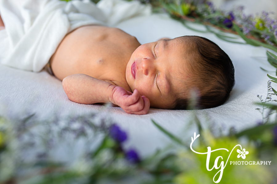 Baby photographer for natural and classic pictures